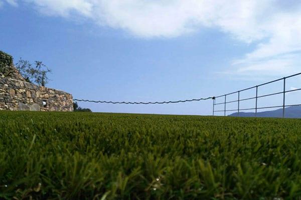 prato in erba sintetica per terrazzi